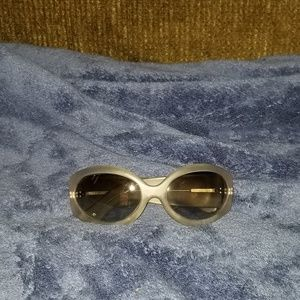 Vera Wang Luxe Sunglasses 4 Ppl W/Tiny Heads